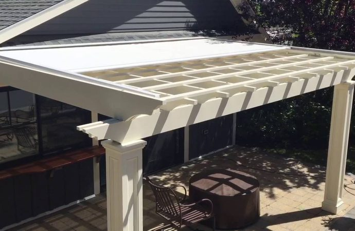 How Installing Retractable Pergolas and Awnings Add Value to Your Home