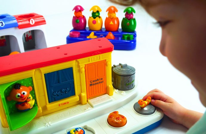 How Can Your Preschooler Benefit From Educational Toys?