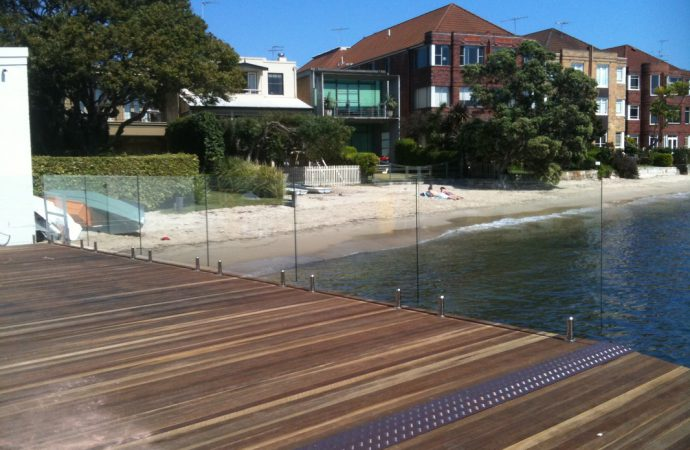 Frameless Glass Pool Fencing – An Added Advantage To A Luxury Home