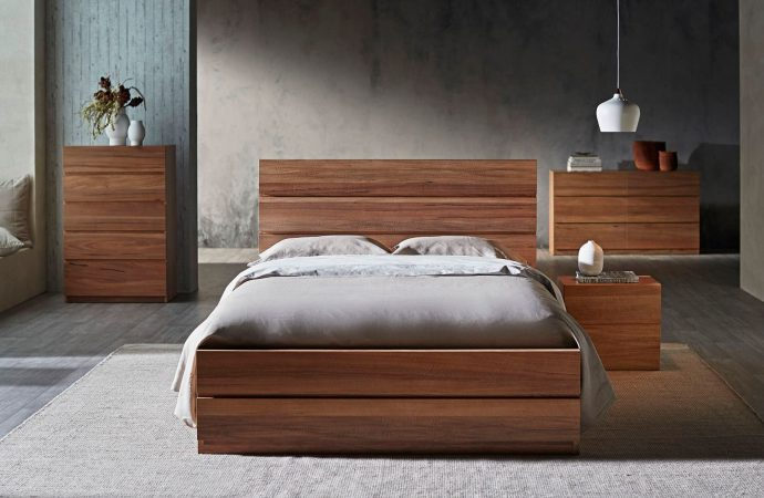 Why Should You Choose a Timber Queen Bed?