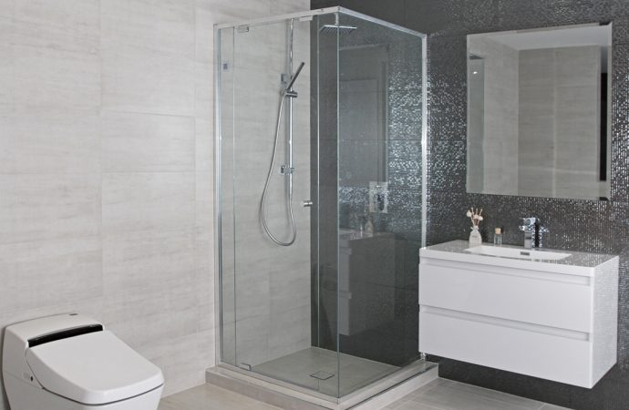 Which One To Choose Between Semi Framed Shower Screen And Frameless Option?