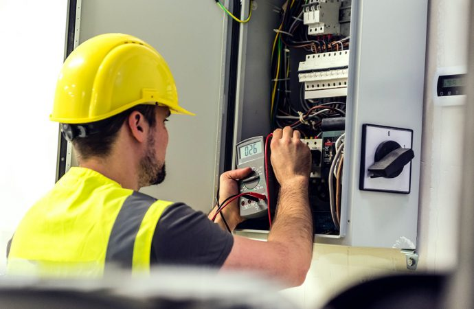 5 things To Be Considered While Selecting The Electrician