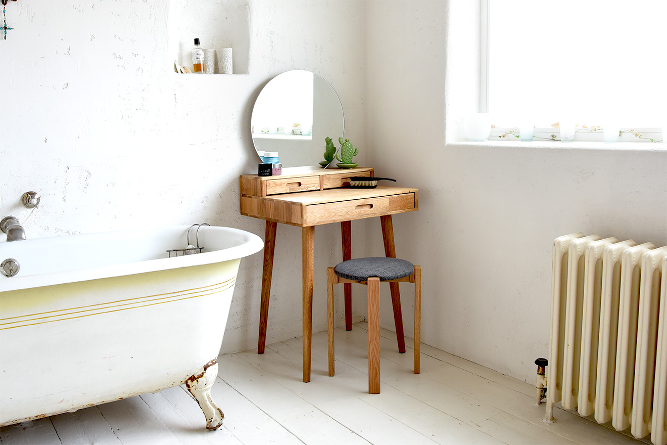 Amazing Features & Benefits Of Small Dressing Tables